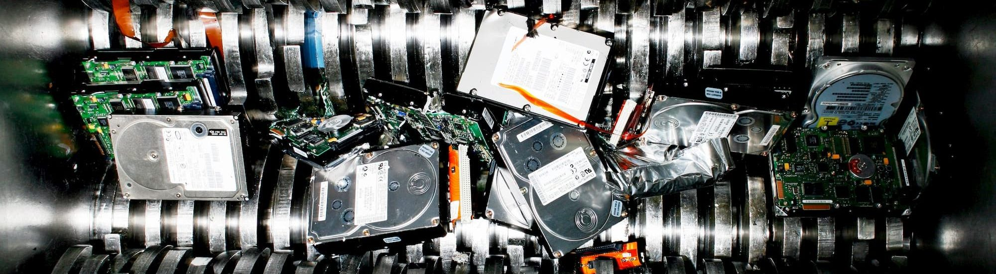 Уничтожение жестких дисков фото